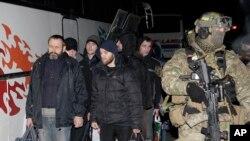 12월 26일 풀려나는 반군 포로들