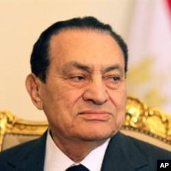 埃及總統穆巴拉克已經辭職(檔案照片)