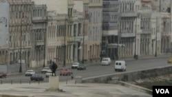 Cuba anunció que permitiría que la gente compre y venda casas por primera vez en más de 50 años.