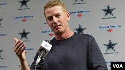 Jason Garrett sustituirá a Wade Phillips como entrenador de los Dallas Cowboys cuando el equipo vive su peor temporada en décadas en la NFL.