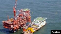 هند پس از چین بزرگترین خریدار نفت ایران در جهان به شمار می رود.