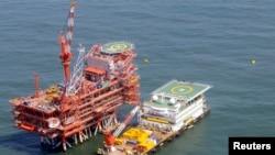 یکی از پالایشگاه های هند در خلیج بنگال