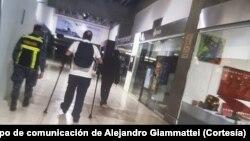 Alejandro Giammattei, presidente electo de Guatemala fue escoltado fuera de territorio venezolano, en su intento por reunirse con el presidente interino de Venezuela, Juan Guiadó.