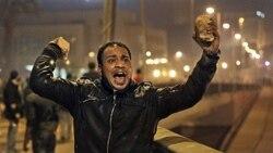 کلینتون: دولت مصر خویشتنداری کند