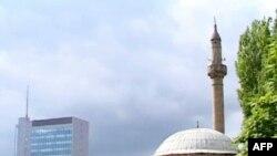 Kosovë, udhëheqësit politikë urojnë besimtarët me rastin e Ramazanit