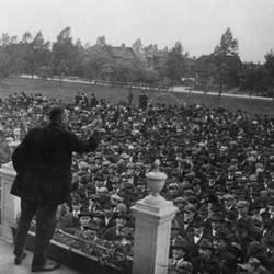 Strike leader in Gary, Indiana, advising demonstrators around 1919