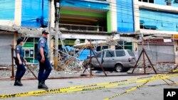 El sismo de magnitud 6.7 se hizo sentir la noche del viernes, averiando el principal aeropuerto de la zona y unas 1.000 viviendas en Surigao.