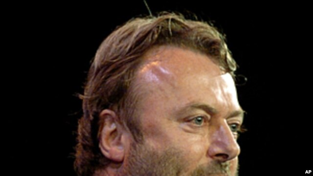 Essayist Christopher Hitchens speaks during a debate on Iraq and the foreign policies of the United States and Britain, in this September 14, 2005 file photo taken in New York.