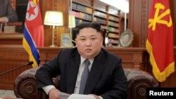 شمالی کوریا کے لیڈر کم جونگ اُن۔ فائل فوٹو