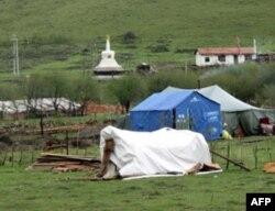 牧民定居点的佛塔