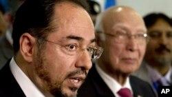 Министр иностранных дел Афганистана Салахуддин Раббани и советник премьер-министра Пакистана Сартаж Азиз