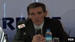 ျမန္မာေဘာလံုးနည္းျပသစ္ တခ်ိန္က စင္ကာပူ လက္ေရြးစင္ အသင္း နည္းျပေဟာင္း Radojko Avramovi (ေဖေဖာ္ဝါရီ ၅၊ ၂၀၁၄)