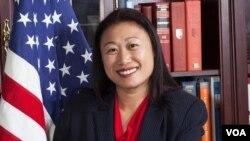 Thượng nghị sĩ tiểu bang California, Janet Nguyễn.