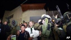 Oslobodjeni palestinski zatvorenik Mohamed Sabah po povratku kući na Zapadnu obalu, 30. oktobar, 2013.
