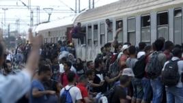 Maqedonia: Do të lejohet një numër i kufizuar emigrantësh