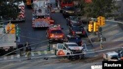 31일 미국 뉴욕 맨해튼에서 트럭 한 대가 자전거 도로로 돌진해 여러 명의 사상자가 발생했습니다.