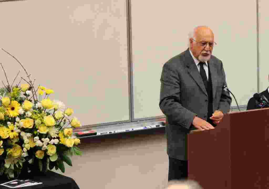 نماینده سابق ایران در سازمان ملل متحد از سابقه دوستی اش با ایرج گرگین در دهه هشتاد میلادی و زمانی گفت که در لس آنجلس، رادیو امید به همت گرگین نوع متفاوتی از برنامه سازی رادیویی را ارائه می کرد.