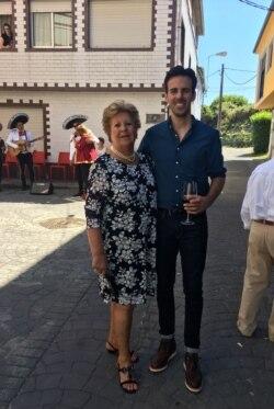 Барро з бабусею