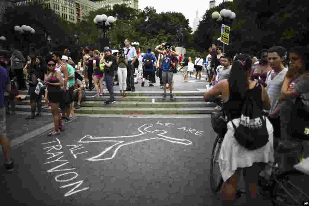 Waandamanaji wakiwa wamekusanyika Union Square mjini New York, July 14, 2013.