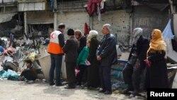 پناهندگان فلسطینی اردوگاه یرموک در انتظار کمکهای انسان دوستانه