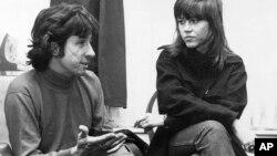 El activista Tom Hayden y la actriz Jane Fonda estuvieron casados durante 17 años.