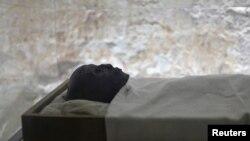La momie de Tutankhamen repose dans la vallée des rois à Louxor, Egytpe, 22 novembre 2012.