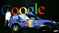 Google испытывает машину без водителя