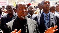 Chissano diz que ainda é cedo para pedir perdão da dívida