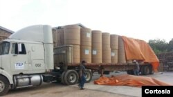 En total ingresaron sin mayores inconvenientes 66 bobinas de papel periódico a Venezuela. [Cortesía Twitter, Diario El Impulso].