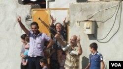 Gelê Serêkanîyê serkeftina Yekîneyên Parastina Gel (YPG) ya dijî El Nusra pîroz dikin