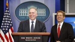 جان بریتان (چپ) دستیار رییس جمهوری آمریکا