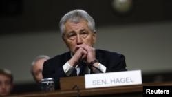 El exsenador Chuck Hagel empieza una carrera que no será nada fácil para lograr ser confirmado por el Senado.