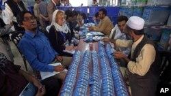 د کمیسیون مشر وايي چې انتخابات به په خپل وخت کیږي