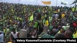 Des supporters d'un club congolaise, l'AS V.Club, lors de la finale aller de la Ligue de champions de la CAF à Kinshasa, octobre 3014.