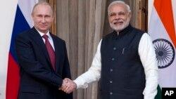 Владимир Путин и Нарендру Моди (архивное фото)