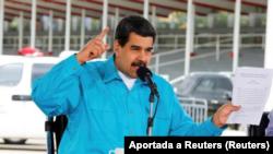 El presidene de Venezuela, Nicolás Maduro, habla durante la entrega de ambulancias para el estado Miranda en Caracas , Venezuela, Noviembre 2, 2017.