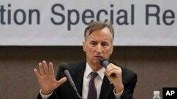 북한에서 결핵 치료 사업을 하는 유진벨 재단 스티븐 린튼 회장이 지난해 11월 서울에서 기자회견을 했다.