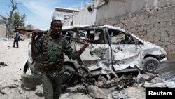 Somali soldier after explosion near Al Mukaram Hotel, Mogadishu, March 15, 2014.