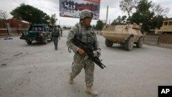 아프가니스탄 동부 파키타 주에서 순찰 중인 미군 병사
