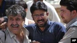 پاکستانی صحافی جمعہ 16 اپریل 2010 کو کوئٹہ میں اپنے ایک ساتھی کی خودکش حملے میں ہلاکت پر غم سے دوچار ہیں۔