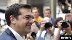 Perdana Menteri Yunani Alexis Tsipras tiba di KTT darurat para pemimpin zona euro Uni Eropa di Brussels, Belgia (7/7). (Reuters/Eric Vidal)