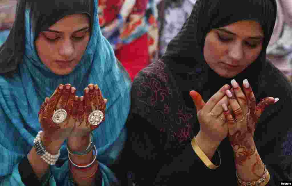 عید کی خوشیوں میں شریک خواتین نے بھی بھرپور تیاری کر رکھی تھی