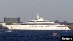 Яхта Eclipse, принадлежащая российскому олигарху Роману Абрамовичу