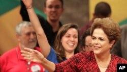 Дилма Руссефф (справа). Бразилия. 24 августа 2016 г.