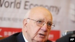 Paul Volcker, chairman of President Obama's economic recovery advisory board, at Lotte Hotel, Seoul, 05 Nov