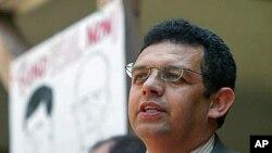 Gustavo Torres da njegova zajednica neće glasati za Obamu ako se 'ovako nastavi s deportacijama'