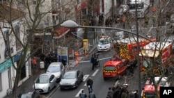 Une autre fusillade en France cause la mort d'un officier de police