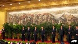 胡锦涛率领第17届中共中央政治局常委与中外记者会面
