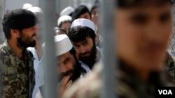 افغان صدر کے مشیر کا کہنا ہے کہ 5000 طالبان قیدیوں کی رہائی میں پانچ ماہ لگ سکتے ہیں۔