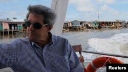 Ngoại trưởng Mỹ về thăm sông nước Cà Mau